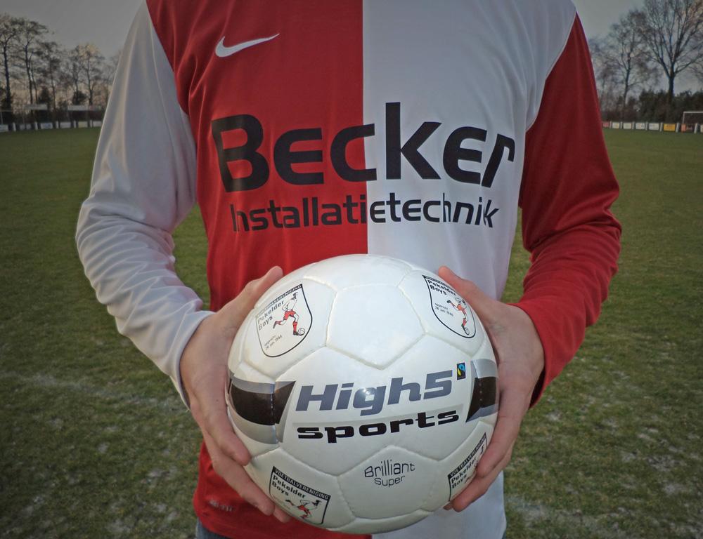 Pekelder-Boys-over-High5-Sports-professionele-voetballen-fairtrade